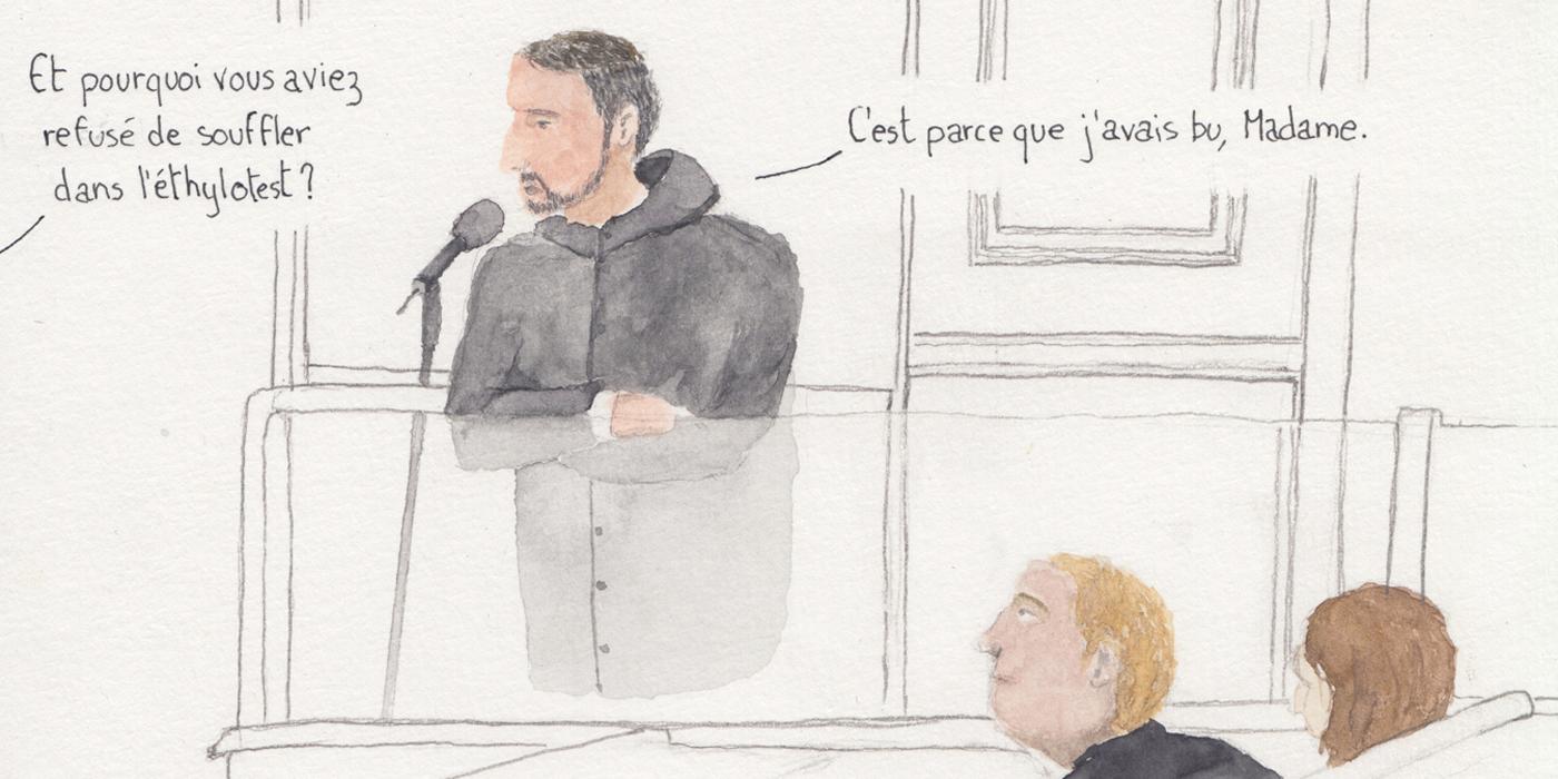 Hicham R. debout dans le box. Assis de profil, son avocat. (Illustration : Pauline Dartois)